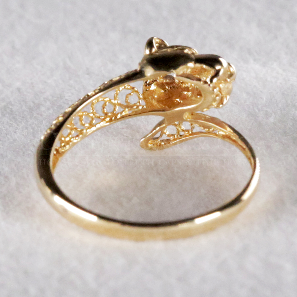 18k Gold Ladies Ring Cartier Design | D Fontaine Jewellers